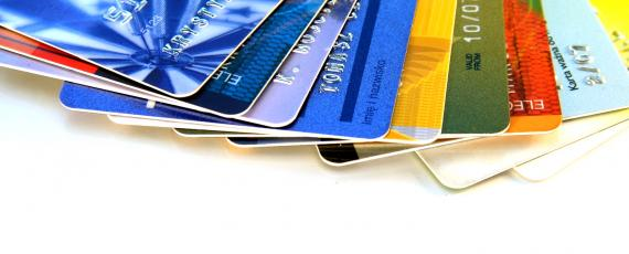 Find out the advantages and disadvantages of owning a credit card. We give it to you one by one